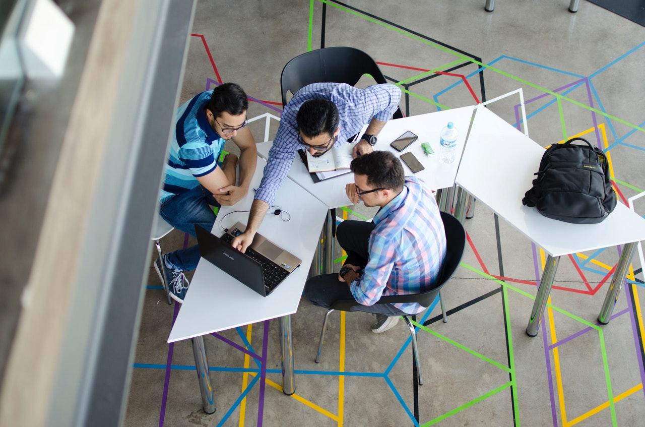 Tips Mengatasi Demam Kantor Baru