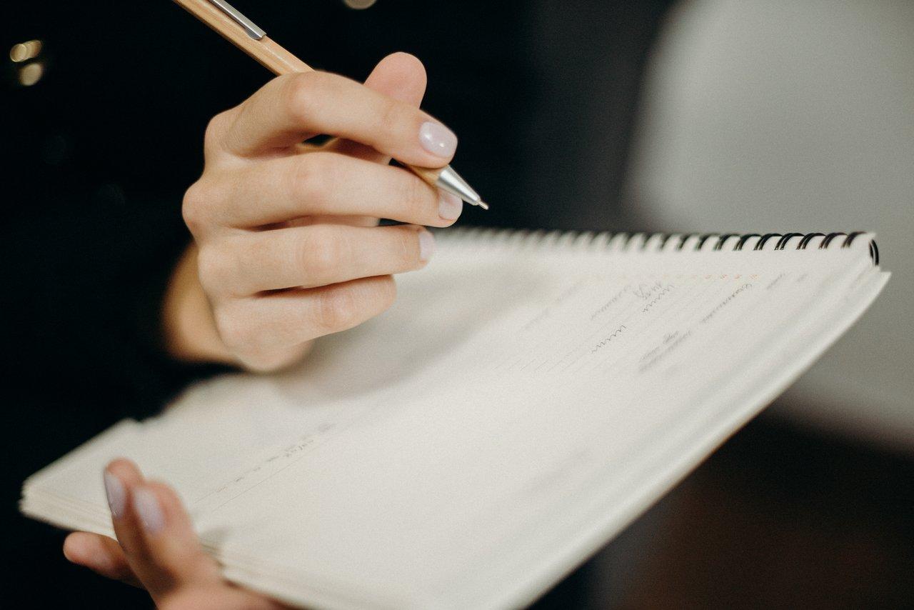 Contoh Surat Lamaran Kerja Tulis Tangan, Fresh Graduate Wajib Tau