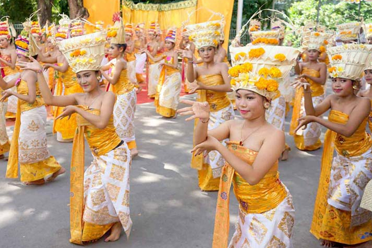 10 Tarian Bali Paling Sering Dipentaskan Saat Upacara dan Untuk Turis